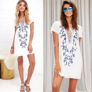LuLus embroidered White Shift Dress